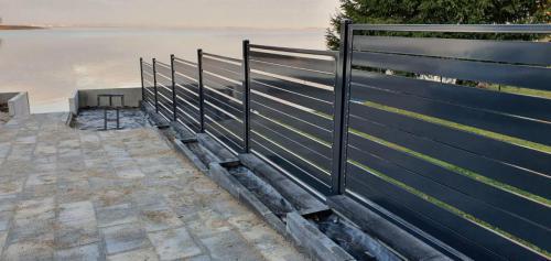 Ogrodzenie metalowe czarne warmińsko-mazurskie