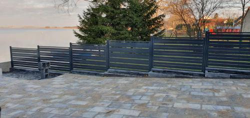Ogrodzenie metalowe czarne Mazury