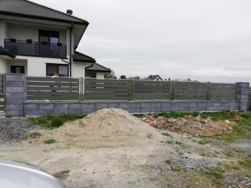 ogrodzenie-ze-stali-nierdzewnej